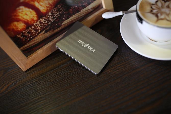解密金速旗舰固态硬盘产品G-One:五年