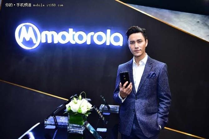 12年一轮回 Motorola与陈坤再续前缘