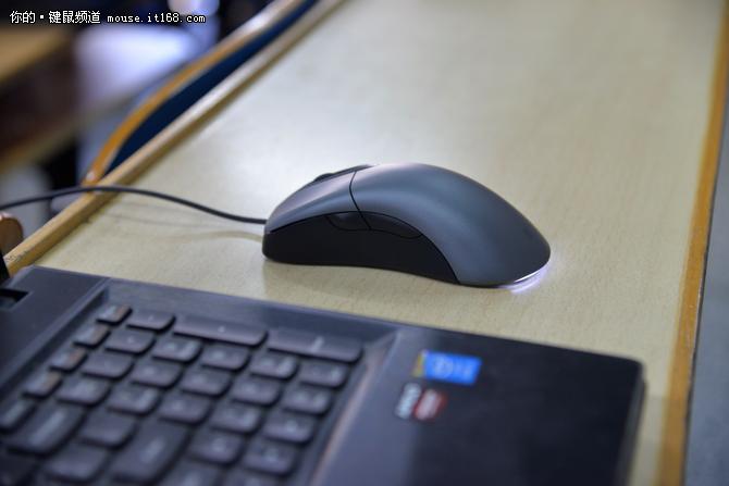 经典回归 微软IE3.0蓝影增强版鼠标评测