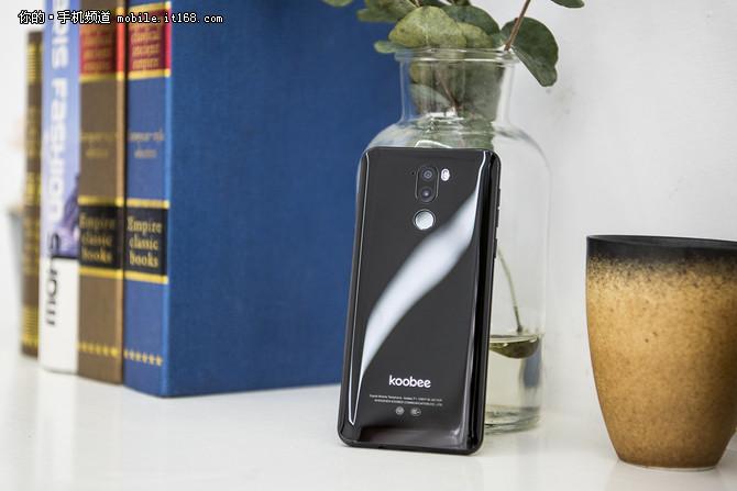 性价比干翻OV 这台手机凭借的是啥?