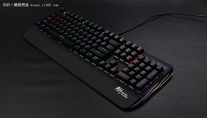 潮玩必备 RK光影RGB游戏机械键盘亮相