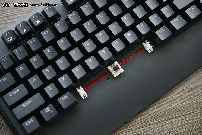 魅力灯影 RK光影RGB游戏机械键盘评测