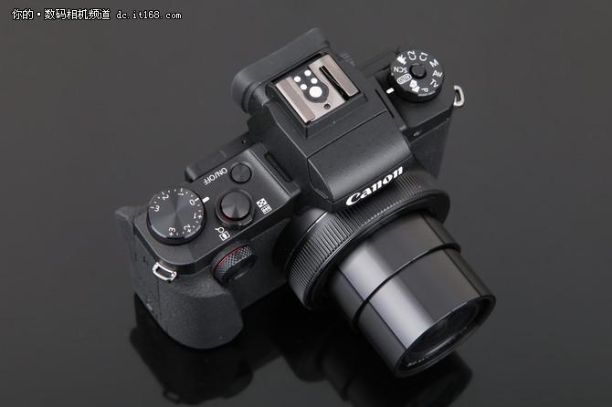操控专业触屏到位 佳能G1X M3设计点评