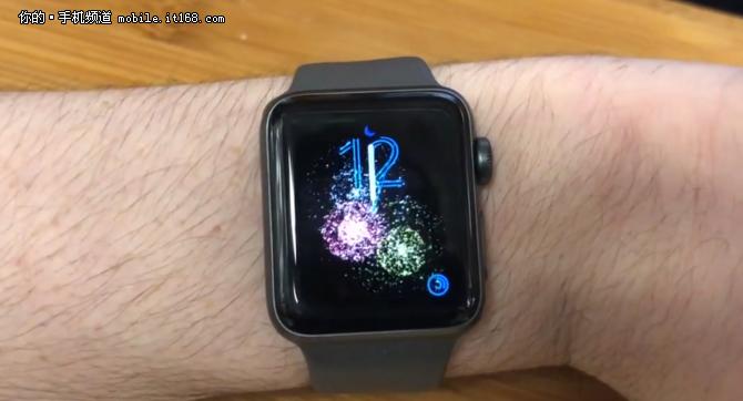 Apple Watch暗藏跨年彩蛋 表盘上看烟花
