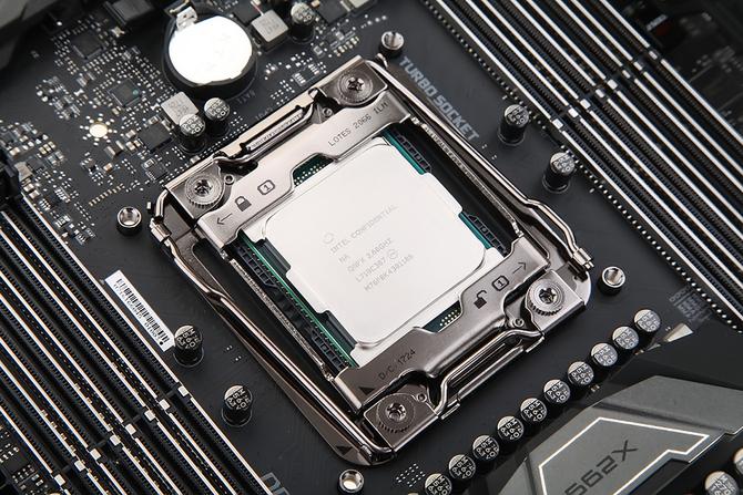 Intel回应CPU内核漏洞 对个人影响不大