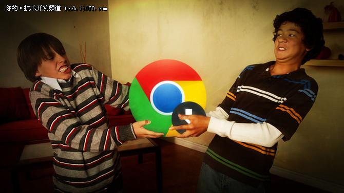 """微软有一个浏览器产品叫Edge(2015年4月30日,微软将其最新操作系统——Windows 10内置代号为""""Project Spartan""""的新浏览器被正式命名为""""Microsoft Edge"""")。无独有偶,谷歌也有一款浏览器产品叫Chrome。  Chrome在浏览器江湖地位卓越,以致于谷歌推出中国已有8年之久,但是中国人们提出谷歌浏览器仍然更多的是赞美和怀念。Edge刚入江湖时立的flag就是""""超越Chrome"""",但现在看来这个flag是没有立得起来,Windows 10的市场占有率已经飙升至31.95%,但作为默认浏览器的Edge却面临着尴尬的境地,市场占有率一直处在14%左右。  先打脸后断臂,微软对谷歌Chrome的态度简直尴尬到极点  微软一直都在卖力的宣传自家的浏览器,不过,自家员工""""打脸事件""""来的是那么猝不及防。2017年11月,在微软云服务 Azure 的介绍会上微软工程师使用电脑示范时,由于Edge 浏览器频频发生问题,不能好好地展示 Azure 服务,负责演讲的微软工程师于是在他的电脑上,输入""""chrome""""搜索 Google Chrome 浏览器,并即时安装到使用电脑,网页显示正常后,该工程师难掩兴奋。  要说微软还是很有勇气的,这段视频仍保留在""""Microsoft Ignite""""官方 YouTube 帐号。  时隔不久,也就是2017年12月,有勇气的微软还断了一次谷歌的""""臂""""。谷歌在微软Windows Store 上传了一个 Chrome 的安装程序应用,引导 Windows 10 用户下载安装 Chrome 浏览器。上传不久,微软就以违反应用商店政策为由将谷歌上传的应用下架。  先打脸后断臂,微软对谷歌Chrome的态度简直尴尬到极点  有外媒评论称:感觉整个事件两个公司都表现得很幼稚,双方都应该做得更好。谷歌不应该只是放置一个安装引导程序,而是要把Chrome上传上去。而微软则应该更大程度的去挽留上传者让它留在Store里。  也有网友称:""""微软太小气!""""。对此,你怎么看?认为他们是""""小孩子过家家""""式的幼稚争吵还是确有必要争论一下。"""