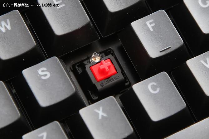 指尖被引燃 世纪雷霆莫石机械键盘评测