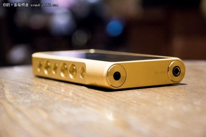 索尼ZX300A沿袭了金砖多少的设计理念?