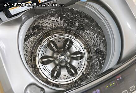 洗碗机真的能洗干净满是油污的碗筷吗?