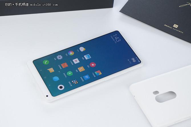 折叠屏精彩 2017年度特色手机盘点