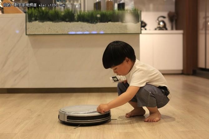 塔波尔将于AWE发布全球首款鱼缸机器人