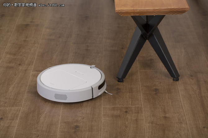 小米生态链发扫地机器人新品 仅售999元