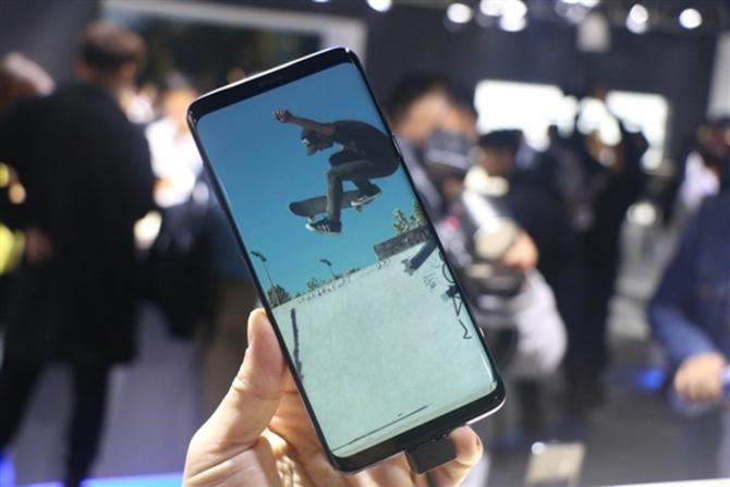 后置摄像头够彪悍!三星S9/S9+上手体验:很好很强大