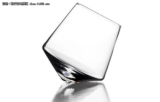 把电视做成玻璃艺术品 设计师脑洞开大了吧