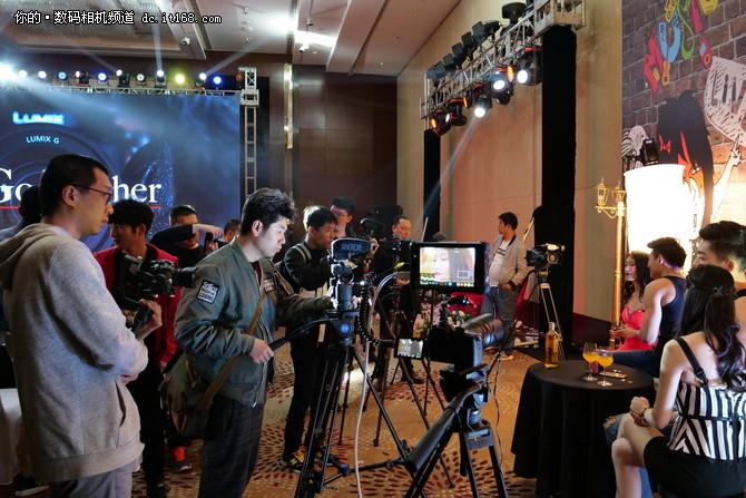 三剑客聚首 松下视频神器GH5S正式发布