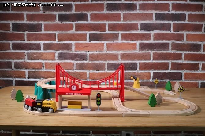 米兔轨道积木电动火车套装试玩