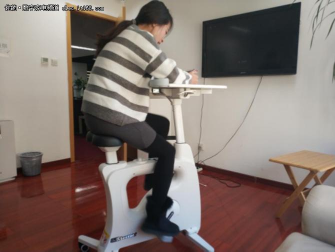 佳节胖三斤不愁 乐歌V9多功能单车体验