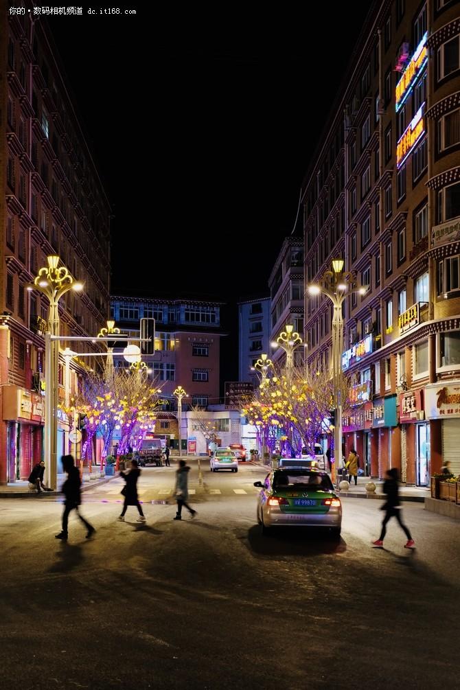 壁纸 步行街 街道 街景 商业街 夜景 670_1005 竖版 竖屏 手机