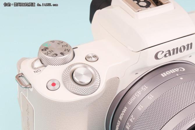 全功能旅行微单 佳能 EOS M50外观点评