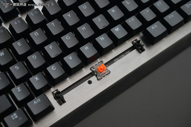 IP68超强防水 雷柏V720L&V530L机械键盘评测
