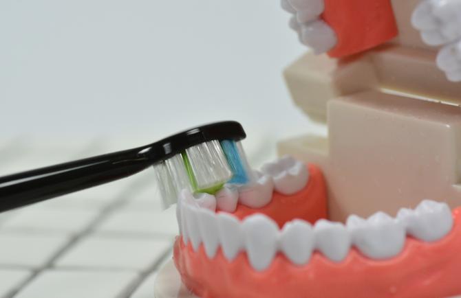 如何选择一款高效温柔的电动牙刷?