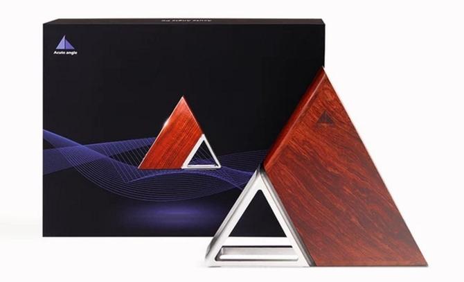 区块链明星三角形主机 限时促销899美金