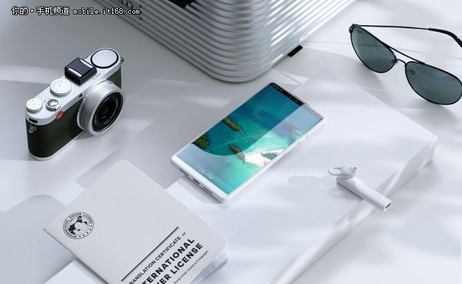 引领时尚设计潮流 最新上市白色版手机推荐