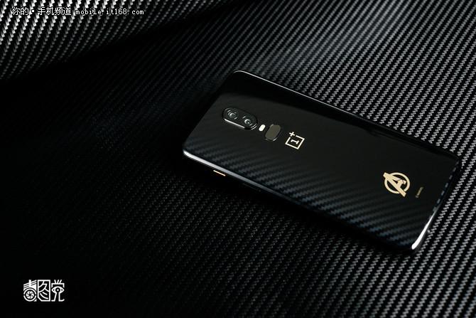 金属被遗弃 市售最潮渐变玻璃设计手机盘点