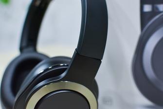 刷抖音神器 爱奇艺iReal无线降噪耳机评测