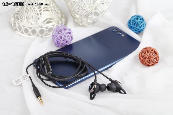 听得见的心动 评荣耀心晴心率检测耳机