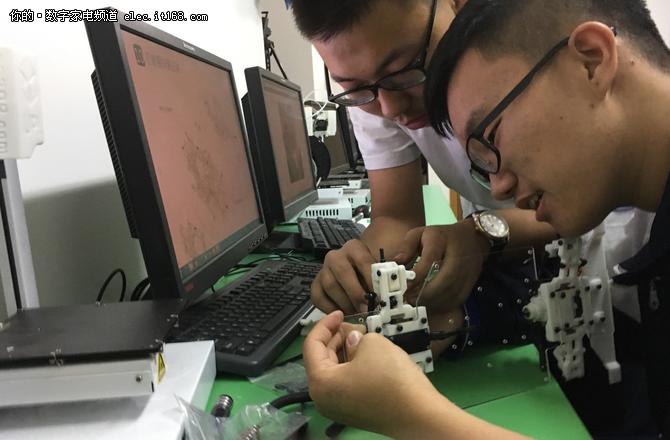 2018年北京市中小学生科技创客活动开幕