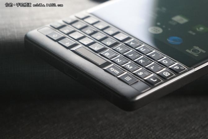经典全键盘再添新功能 黑莓KEY2使用体验