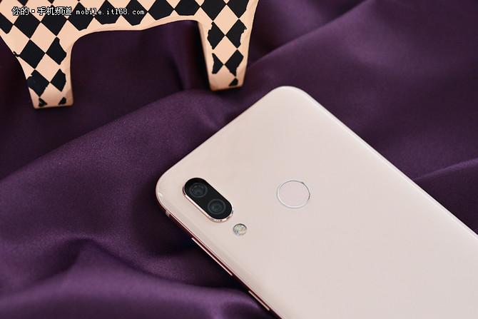 海信AI手机H20评测:外观设计