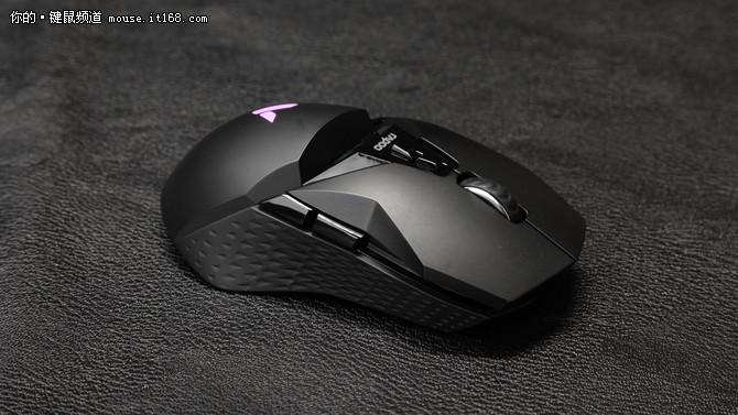 畅享无线竞技 雷柏VT950双模电竞鼠标图赏