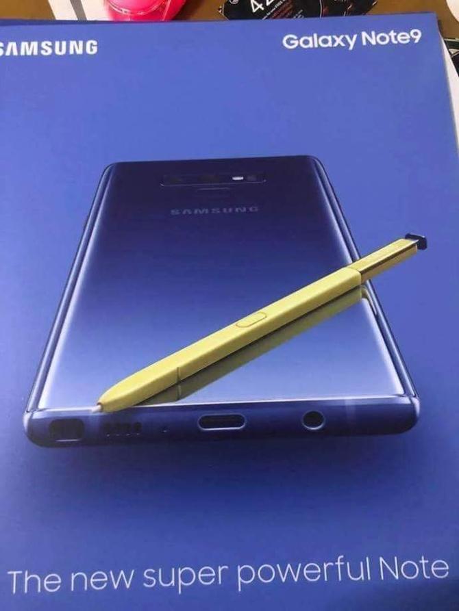 三星Note 9海报曝光 金色S Pen引人瞩目