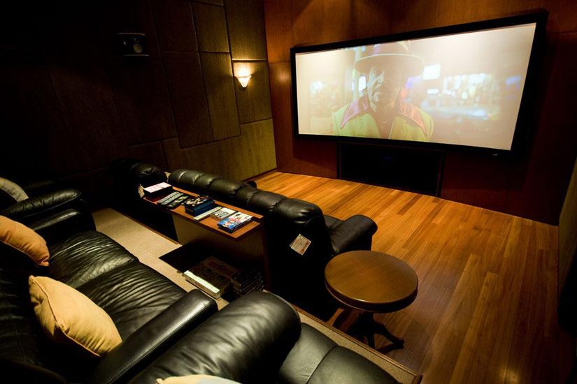 > 把电影院搬回家 国外家庭影院实图赏析 国外家庭影院实图赏析