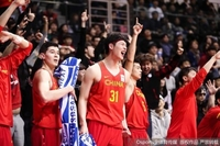 双星闪耀中国男篮客胜韩国取得世预赛两连胜