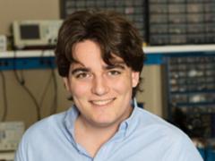 Oculus创始人帕尔默·拉奇离职