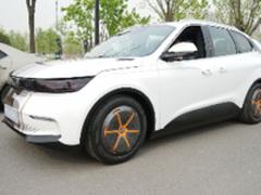 一身黑科技 奇点iS6智能汽车发布