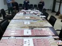 突击行动 警方查获大批量iPhone
