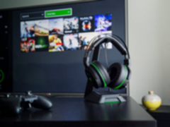 RAZER发布战戟鲨终极版无线环绕声游戏耳麦