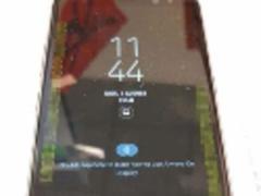 三星Note8真机曝光 造型方正 曲面屏弧度更大