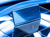 双面玻璃设计 性能旗舰荣耀9现货热销中