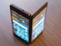 中兴双屏折叠手机AXON M宣布开卖:体验爽翻