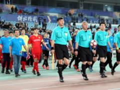 苏宁双十一传奇足球夜惊现史上最老球童