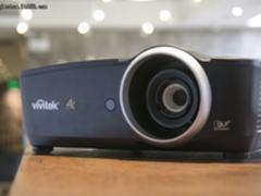 向家用发力!丽讯发布4K家用投影机HK2288