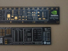 NVIDIA做了把尺子 内部搭载GP104等芯片