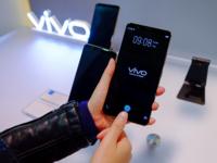 指纹技术革命 vivo在CES首发屏幕指纹手机
