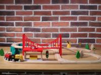 道具多玩法多米兔轨道积木电动火车套装试玩