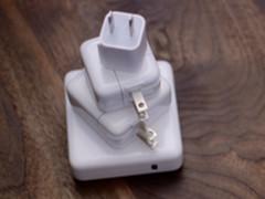 iPhone新充电器实物曝光 支持18W PD快充